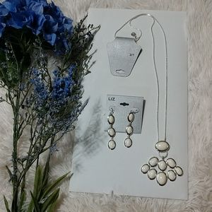 New Liz Claiborne Necklace and Earrings